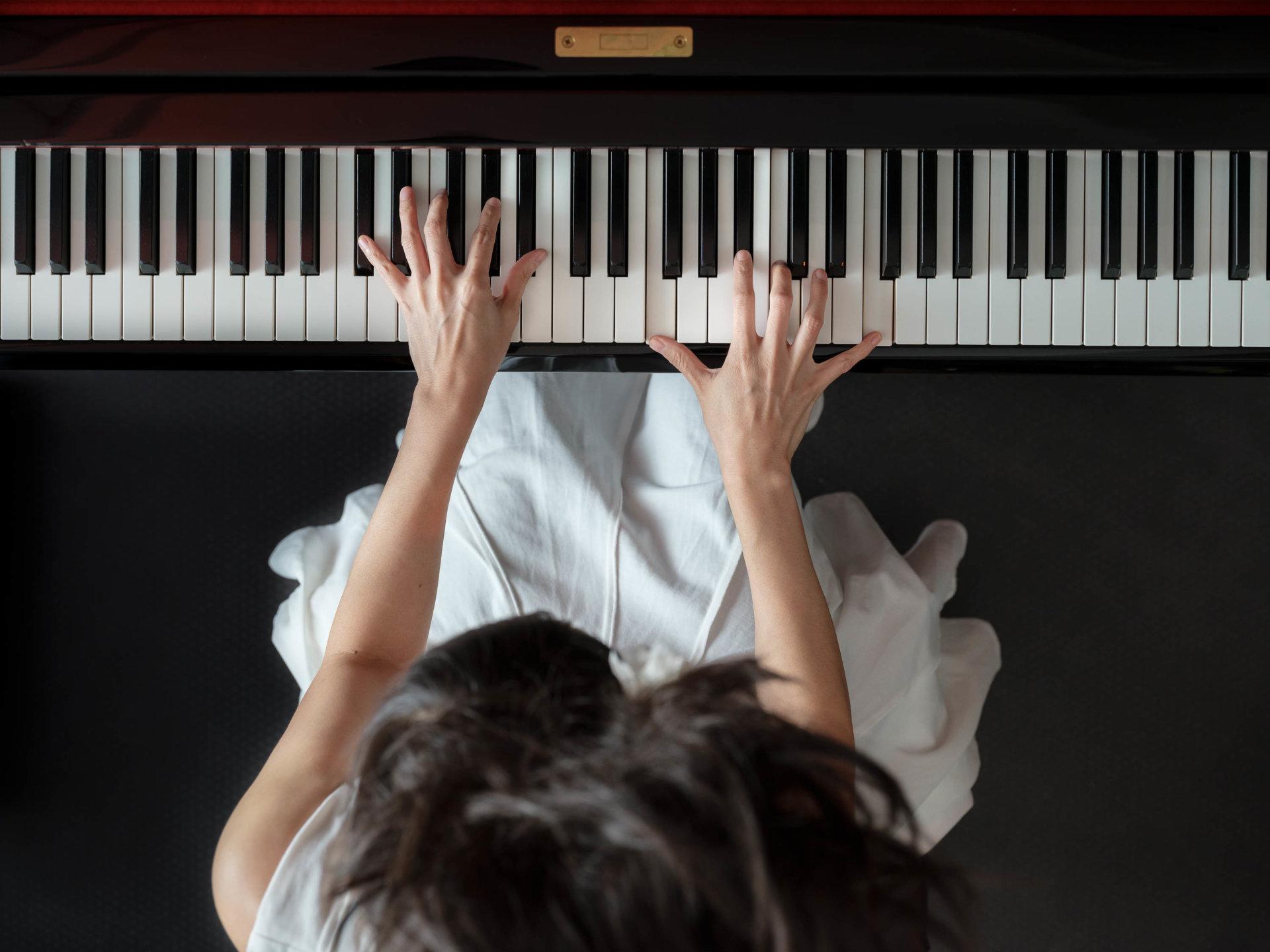 DRUCKEN!, Kultur, MASTERBILD, Pianist, Projekt, Serie, Yamaha CFX Concert Grand Piano, klavier, konzert, meisterfinger, musiker, piano